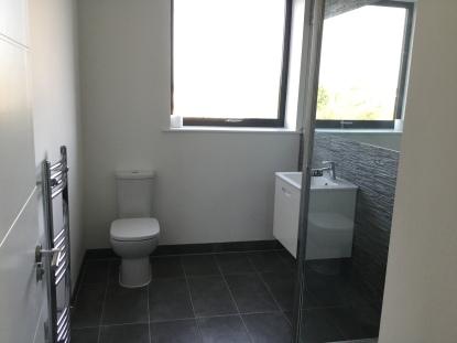 21. Final flat bathroom