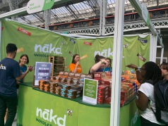 9. Nakd stand