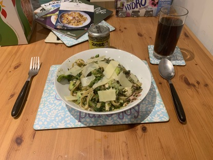 Zest Pesto with Pasta and Green Veg